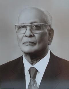 chairman-img